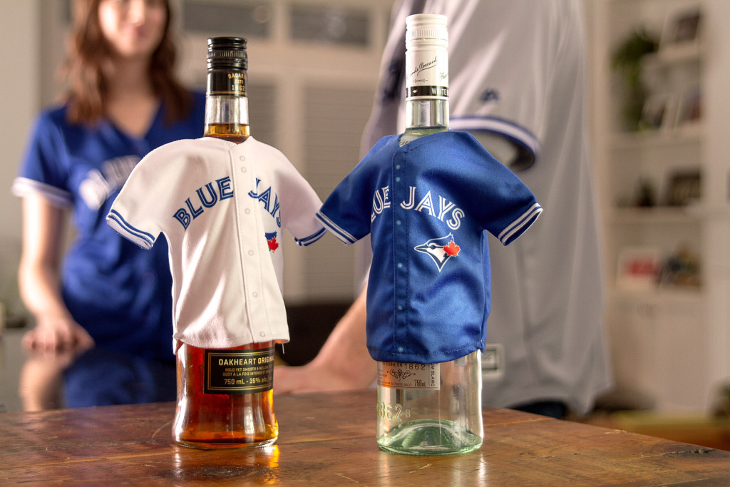 73438_Bacardi_Canada_Photoshoot_Jays_social_Day3_MiniJerseys